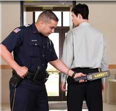 Détecteur de sécurité Superscanner, utilisation par la police